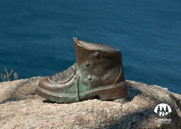 boot statue in finisterre